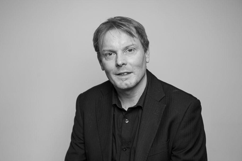 Belouis Consultant - Charles